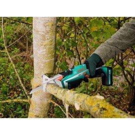 Bosch Akkus kerti fűrész Keo
