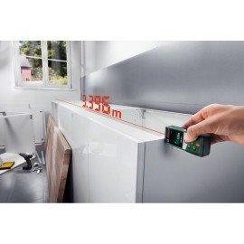 Bosch Digitális lézeres távolságmérő PLR 30 C